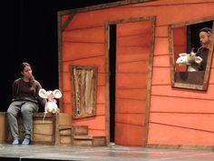 """Imagen del espectáculo de teatro escolar en inglés para educación infantil y primer ciclo de primaria """"The vain little mouse"""""""