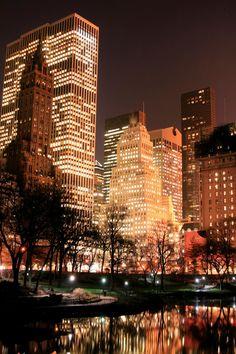 Central Park and manhattan skyline, New York City. Central Park and manhattan sk , Photographie New York, Travel Photographie, City Aesthetic, Travel Aesthetic, Night Aesthetic, Places To Travel, Places To Go, Mode Poster, City Vibe