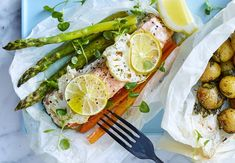 Get plenty of inspiration in our 15 delicious, healthy recipes. And also check out … - Vegetarisch Quinoa Salad Recipes Easy, Healthy Recipes, Cauliflower Rice Risotto, Red Beans Recipe, Peppercorn Sauce, Wellington Food, Happy Kitchen, Mojito, Gordon Ramsay