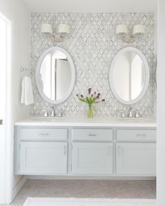 See the incredible #bathroom & #kitchen transformation by @centsationalgirl on #InteriorCollective. Pure White countertops helps give this bathroom a fresh, chic look.  Click the link on our profile