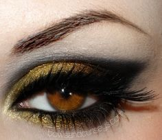 A Work In Progress • I really want gold eyeshadow