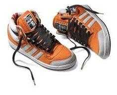 adidas Originals x Star Wars - EU Kicks: Sneaker Magazine Zapatillas Star Wars, Adidas Originals Tops, Star Wars Shoes, Star Wars Prints, Next Shoes, Adidas Zx Flux, Sneaker Magazine, Star Wars Collection, Courses