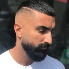 The 30 Different Types of Fades: A Style Guide – Men Hairstyles World – Men's Hairstyles and Beard Models Types Of Fades, Haircuts For Balding Men, Drop Fade Haircut, High And Tight Haircut, High Top Fade, Military Cut, The Quiff, Beard Fade, Beard Styles For Men