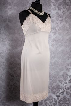 Linen Bias Slip Nightie with Antique Lace Trim Size ML by Mary Pearl/'s Vintage