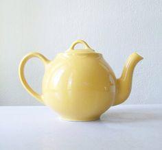 Lovely little lemon yellow tea pot ~