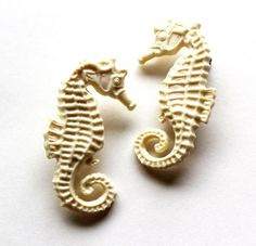 Cream pair of seahorse vintage plastic the life by bunnyboutique