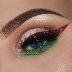 Augen make up Christmas Vibessss. For extra photographs like this foll. Makeup Inspo, Makeup Art, Makeup Inspiration, Makeup Tips, Beauty Makeup, Hair Makeup, Makeup Ideas, Face Beauty, Makeup Products