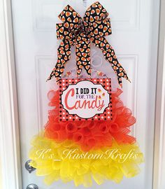 Candy corn wreath, halloween wreath, candy, candy corn, halloween decor, trick or treat - pinned by pin4etsy.com
