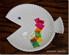 """Simple paper plate fish craft to go along with the book """"Rainbow Fish"""" by Marcus Pfister - and links to more picture book activities for kids Paper Plate Fish, Paper Plate Crafts, Paper Plates, Toddler Art, Toddler Crafts, Crafts For Kids, Quick Crafts, Ocean Crafts, Fish Crafts"""