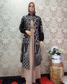 Batik Fashion, Abaya Fashion, Fashion Dresses, Model Baju Hijab, Batik Muslim, Dress Batik Kombinasi, Moslem Fashion, Dress Brokat, Simple Bridesmaid Dresses