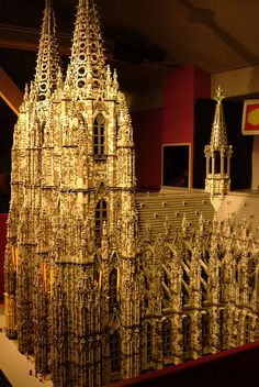 Lego Cologne Cathedral by Kulabeth, nice Legos, Chateau Lego, Lego Hacks, Lego Sculptures, Lego Boards, Amazing Lego Creations, Lego Castle, Lego Design, Lego Models