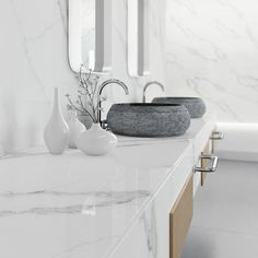 Daydreaming of a marble bathroom? Our new Essastone Unique Calacatta gives your home the stunning look of real marble and is virtually maintanance-free. Marble Benchtop, Kitchen Benchtops, Engineered Stone, Stone Slab, Calacatta, Shaker Style, New Kitchen, Kitchen Ideas, Bathroom Inspiration