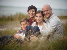 Elizabeth Engelman con su familia (foto: ondeafness.com )    Fuente: ondeafness.com    Elizabeth Engelman es la madre de Micah y Bella, am...