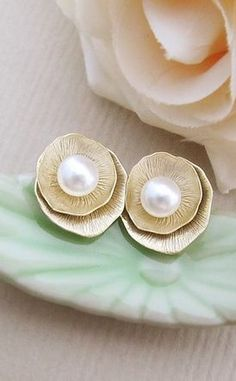 List 11 Greek-Style Pearl Earrings – Top Pretty Design From Famous Fashion Blog - DIY Craft (5)