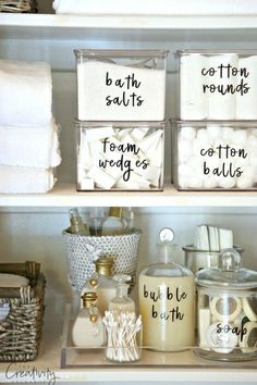 42 super creative DIY bathroom storage projects to decorate your bathroom on a . - 42 Super Creative DIY Bathroom Storage Projects to Organize Your Bathroom on a Budget – New Decor - Home Organisation, Kitchen Organization, Organization Hacks, Kitchen Storage, Diy Kitchen, Roommate Organization, Bathroom Product Organization, Organization Ideas For The Home, Kitchen Ideas