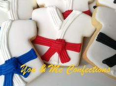 Karate/Taekwondo Hand Decorated Sugar by YouandMeConfections Cookies For Kids, Cut Out Cookies, Sugar Cookies, Karate Birthday, Ninja Birthday, Fondant Cake Tutorial, Fondant Cakes, Taekwondo, Karate Boy