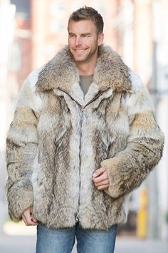 The American-made Sebastian Coyote Fur Parka fashions you to be at ease with the elements.