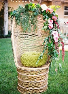 Get ready for gorgeous tropical bridal shower bliss! Tropical bridal showers are so bold cool and relaxed that all your gals will love it! Boho Baby Shower, Bridal Shower Chair, Bridal Shower Party, Bridal Shower Decorations, Baby Shower Chair, Wedding Centerpieces, Table Decorations, Garden Bridal Showers, Tropical Bridal Showers