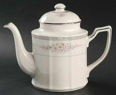 Tea/coffee Pot & Lid in the Rothschild pattern by Noritake