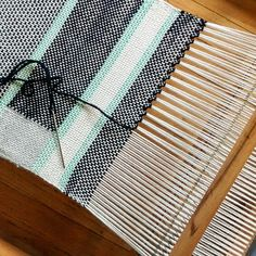I learned a new finishing technique called hemstitch. It's a quick alternative to tying knots and prevents the woven fabric from unravelling. #textile #weaving #hemstitch