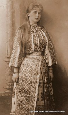 Marie of Edinburgh, Queen Maria of Romania, acquiring the Romanian identity, in her peasant costume, given as wedding gift. Reine Victoria, Queen Victoria, Folk Costume, Costumes, Romanian Wedding, Romanian Royal Family, Royal Brides, Historical Clothing, Traditional Outfits