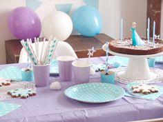 deco-anniversaire-reine-des-neiges DIY Frozen party, Anniversaire Reine des Neiges, cake, free printables moma le blog