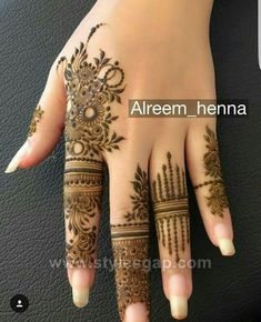 Easy Finger Mehndi Designs Styles -Beautiful Easy Finger Mehndi Designs Styles - full henna mehndi design video tutorial hope it's very helpful for beginners. Hassanツ😍😘 Striking Khafif mehndi designs collection for hands to try in 2019 Henna Hand Designs, Latest Mehndi Designs, Dulhan Mehndi Designs, Mehndi Designs Finger, Modern Mehndi Designs, Mehndi Design Photos, Mehndi Designs For Fingers, Beautiful Henna Designs, Henna Tattoo Designs