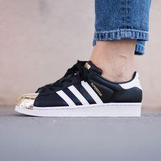 Adidas Originals - Superstar 80s metal toe. Harper Store - Clothing & Sneakers. Sneakers Women, Adidas Sneakers, Adidas Superstar, Adidas Originals, Toe, Metal, Clothing, Fashion, Footwear