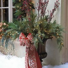 Outdoor Christmas Decorations For A Holiday Spirit  Family Holiday. Awesome ideas I have GOT to try!