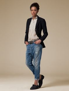 //tailored jacket loafers + torn up jeans no socks //(Quay Tailcoat, Kensigton Shirt, Breeze Loafer)