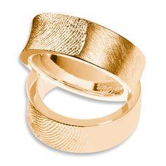 Eheringe in Gelbgold mit persönlichen Fingerabdruck / wedding rings with fingerprint by goldwerk-manufaktur via DaWanda.com