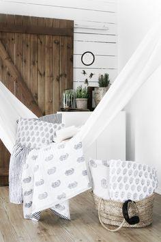 Bring The Outdoors In Living Room Hammocks & Hanging Chairs Mesmerizing Living Room Hammock Design Ideas