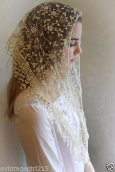 Classic-Mantilla-Soft-Ivory-Embroidered-Chapel-Veil-Triangle-Free-Ship