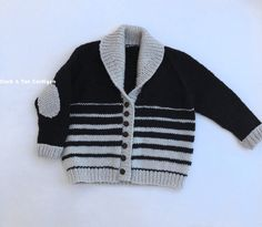 Black & Tan Shawl Baby Cardigan, The perfect roomy sweater weather cardigan. The striped pattern was inspired by my comfy beer; black and tan with its graduated melting of colors. Baby Knitting Patterns, Baby Sweater Patterns, Baby Cardigan Knitting Pattern, Knitting Blogs, Knitting For Kids, Stitch Patterns, Sweater Weather, Baby Pullover Muster, Pull Bebe