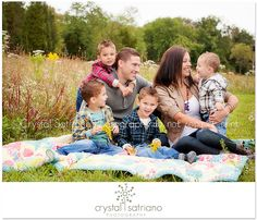 Great family pictures/poses. Love these!
