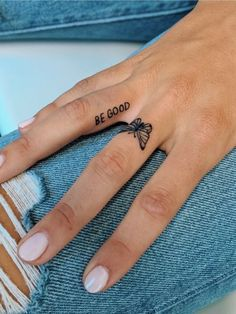 cute finger tattoos are fashion in the young tattoos, little tattoos, finger tattoos 15 ~ thereds. Mini Tattoos, Dainty Tattoos, Small Hand Tattoos, Little Tattoos, Pretty Tattoos, Beautiful Tattoos, Body Art Tattoos, Awesome Tattoos, Tattoo Drawings