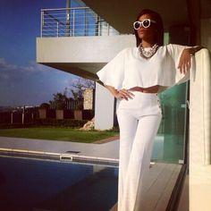 even my queen Bonang B* Matheba rocks all white like nobody's business! All White Outfit, White Outfits, Classy Outfits, Cool Outfits, Classy Clothes, Black Women Fashion, White Fashion, Queen, Fashion Books