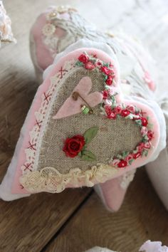 good grief girdie: heart sachet ......... Felt, Linen, Lace, and Ribbon embroidery