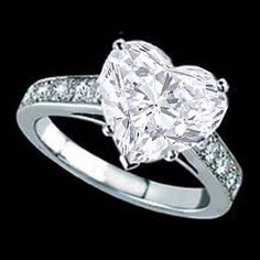 I absolutely love heart shaped engagement rings! Heart Shaped Engagement Rings, Buying An Engagement Ring, Diamond Wedding Rings, Diamond Rings, Bling Wedding, Right Hand Rings, Jewelry Photography, Ring Necklace, Jewelry Rings