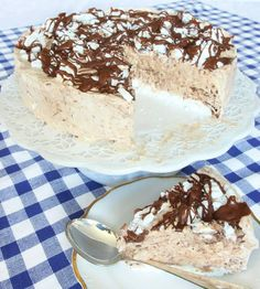 semifreddinutella4 Baking Recipes, Cake Recipes, Dessert Recipes, Bagan, Different Cakes, Pudding Desserts, Swedish Recipes, Gluten Free Baking, Chocolate Peanut Butter