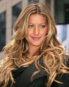 Gisele Bundchen -Always LOVE her hair! So Natural and sun kissed! Love her. :)