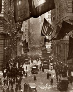 """What we call """"Veterans Day"""" today was originally """"Armistice Day,"""" marking the day WWI ended. In this photo, Americans celebrate news of German surrender on Wall Street, November - Shorpy Historical Photo Archive :: Germany Surrenders: 1918 Old Pictures, Old Photos, Triple Entente, Fotografia Social, Armistice Day, World War One, Interesting History, World History, Historical Photos"""
