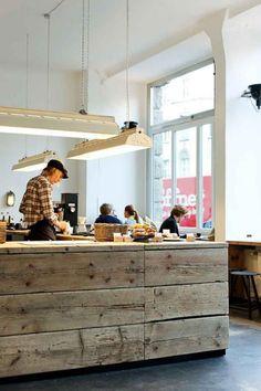 Risultati immagini per vieux comptoir bois magasin Bruxelles