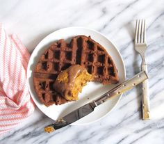 "Waffles with Pumpkin Protein Mousse and Dulce de ""Leche"" (Vegan, Gluten-Free)"