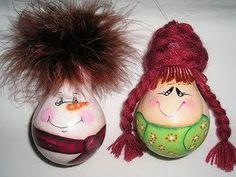 Уголок весёлой тёти: Новогодние игрушки из лампочек