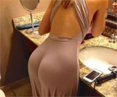 Husband Divorced His Wife After Looking Closer At This Photo