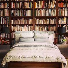 23 Celebrity Bedrooms We Want to Sleep In Office Bookshelves, Bookshelves In Bedroom, Bedroom Red, Dream Bedroom, Celebrity Bedrooms, Drop Everything And Read, Bookshelf Headboard, Library Bedroom, Diy Rangement