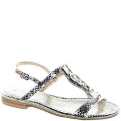 #Sandalo in pitone laminato con ornamento in pietre.