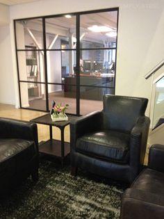 Stalen binnenpui | www.simply-steel.nl Armchair, Divider, Interior Design, Room, Furniture, Home Decor, Sofa Chair, Nest Design, Bedroom