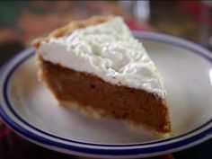 Watch the video See How They Make the Deep-Dish Pumpkin Pie at Back Street Bistro on Yahoo News . Back Street Bistro's Deep-Dish Pumpkin Pie is just like Nana used to make. Pumpkin Pie Recipe Food Network, Pumpkin Pie Recipes, Food Network Recipes, Food Processor Recipes, Chef Recipes, Dove Recipes, Food Network Canada, Pudding, Brownie